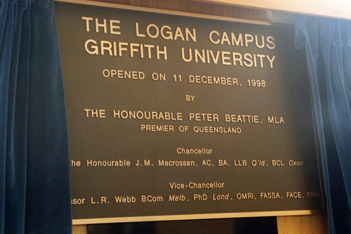 Logan_Campus_Opening_Plaque_1998